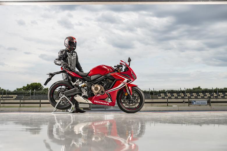 CBR650R mångsidig sportmotorcykel
